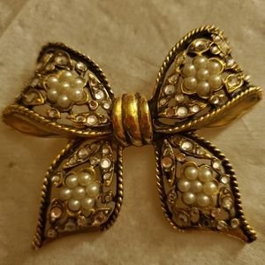 3 for $10* bow pin